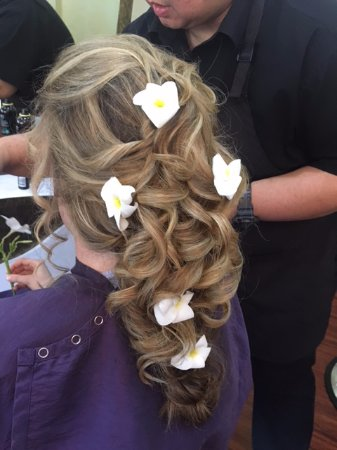 Touch of Thai: My wedding hair by such a talented artist! HIGHLY recommend :)