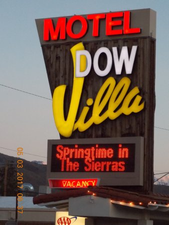 Dow Villa Motel: Great Location off of 395!