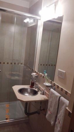 Baño El | Los Banos Son Nuevos Pero En Este Bano El Bidet No Se Podia Usar