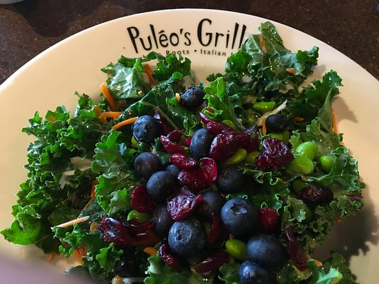 Ooltewah, TN: My choice was the Kale Salad and it was just PERFECT! Fresh and delectable!