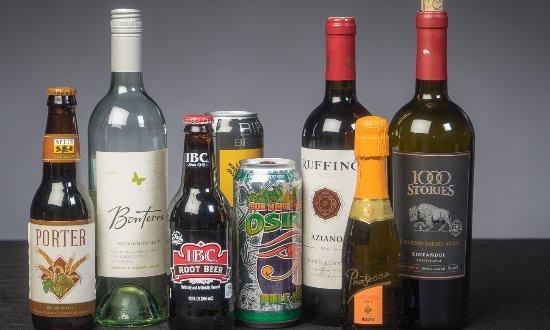 Carmel, Ιντιάνα: Craft Beer, Wine, Soda....