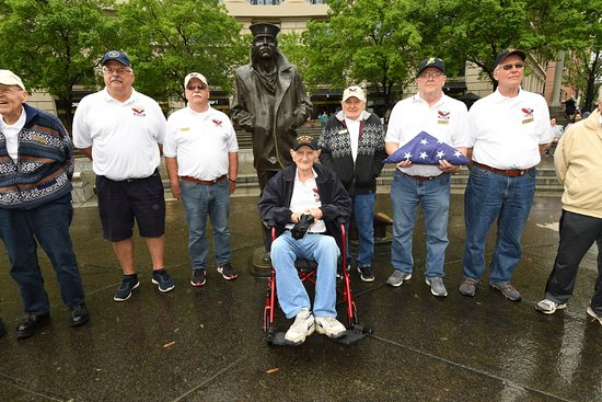 United States Navy Memorial and Naval Heritage Center: Navy veterans from Auburn, NY
