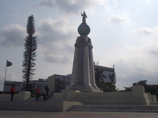 Monumento al Divino Salvador del Mundo: Monument in San Salvador