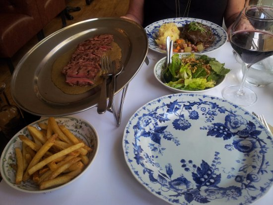 Pymble, Australia: Steak & Frites, walnut green salad