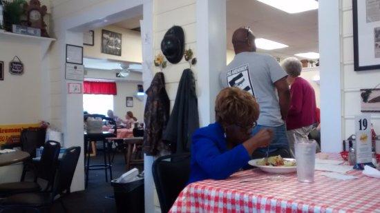 Angie S Restaurant Plenty Of Seating