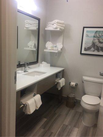 Hampton Inn & Suites Hermosa Beach : photo1.jpg
