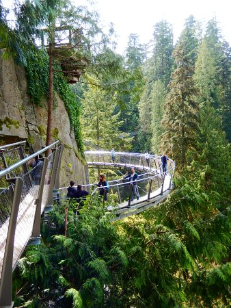North Vancouver, Canada: the Cliffwalk