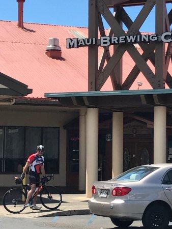 Maui Brewing Co. Brewpub : photo1.jpg