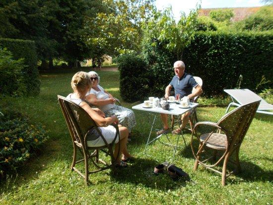 Paunat, France: Tea in Les jardins de la Chartreuse