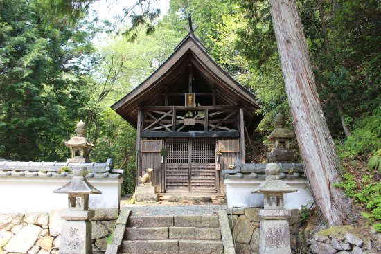 Inagawa-cho, ญี่ปุ่น: 小さな本殿ですが存在感がすごい