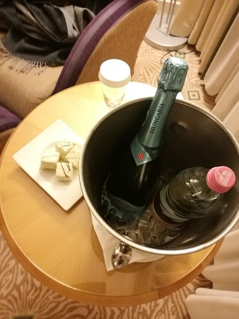 Hilton Budapest City : welcome gift (Diamond)