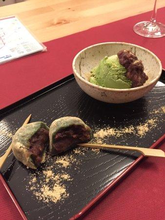 Wakasa: Postre (helado de té verde y moshi de judía roja)