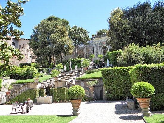 Palazzo Massimo di Rignano Colonna : Une partie du jardin