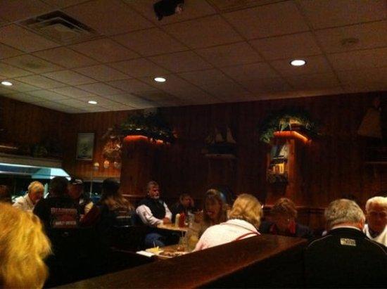 Blackbeards Inn : blackbeards dining area