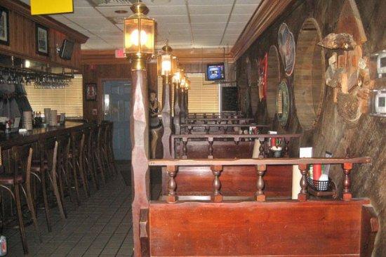Blackbeards Inn : bar area