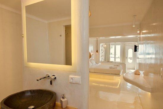 Agios Stefanos, กรีซ: Ground floor suite for 3