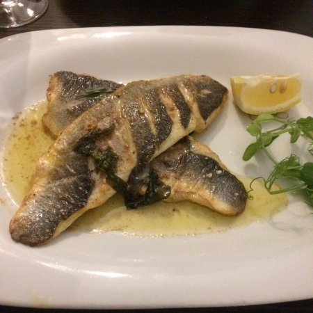 Keynsham, UK: Sea bass