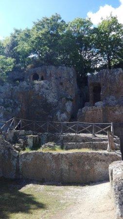 Sovana, Ιταλία: IMG_20170429_153036_large.jpg