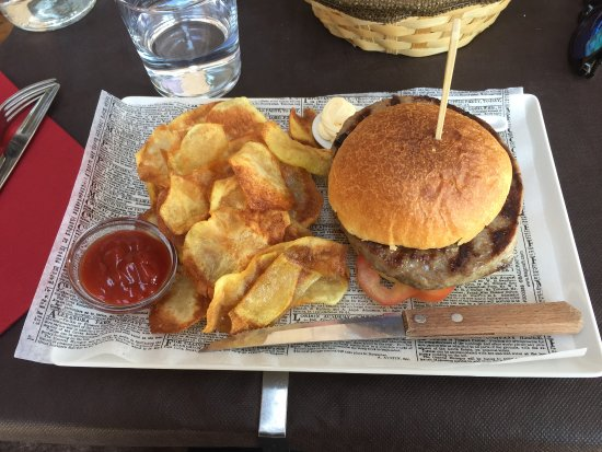 Barrabordo: Hamburgher con patatine fritte