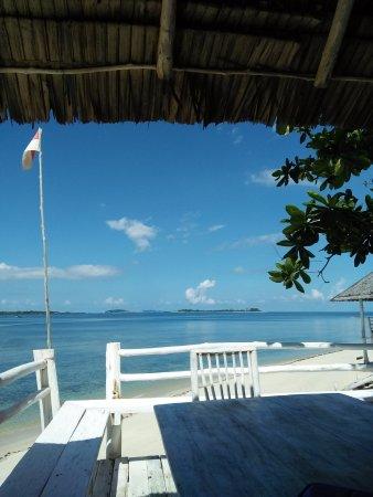 Trikora Beach Club & Resort: Dining area close to the sea sport area