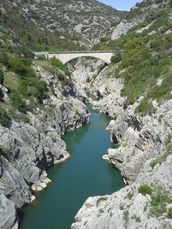"""Saint-Jean-de-Fos, Francia: Les Gorges de l'HERAULT """" Vu du Pont  du Diable """""""