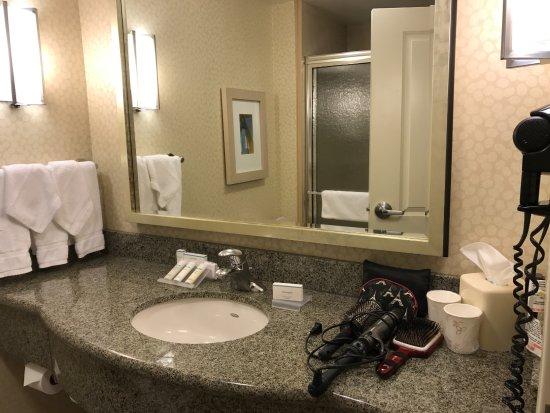 Hilton Garden Inn Dallas / Richardson: Very Clean. Nice Toiletries