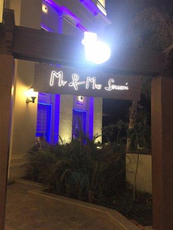 entrance for the restaurents