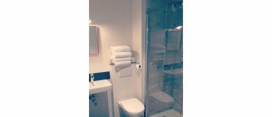hotel la fontaine caen centre frankrig hotel anmeldelser sammenligning af priser. Black Bedroom Furniture Sets. Home Design Ideas