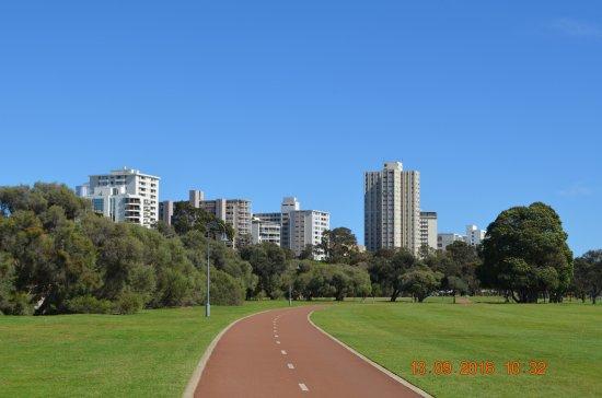 South Perth, Australien: A walking path