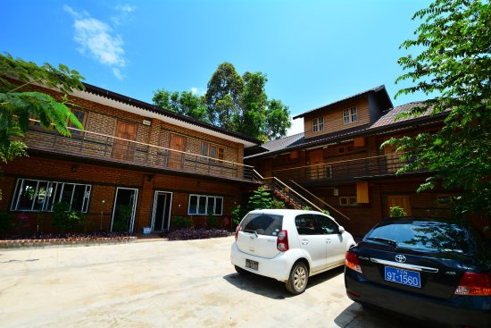 Entrance - Picture of The Manor Lakefront Hotel, Nyaungshwe - Tripadvisor