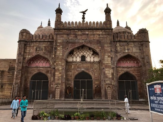 Alamgir Mosque:- The Marvelous Monument For Muslims