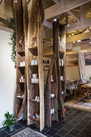 Kempton Park, África do Sul: Curio shop in the wellness studio