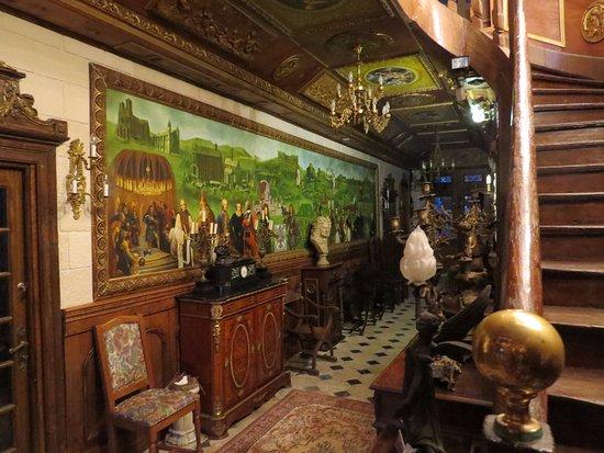 Chateau de Montaubois: Entry Hall