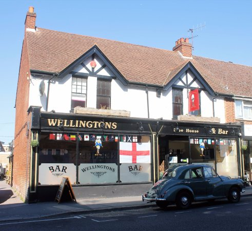 Wellingtons Pub