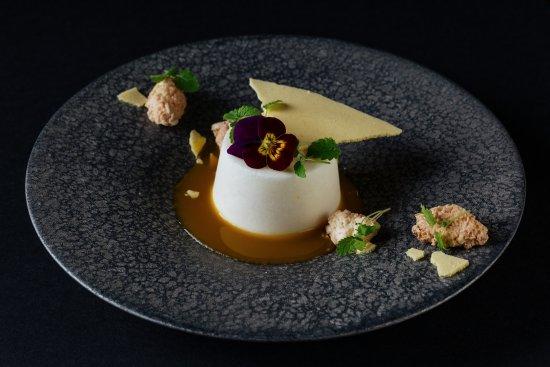 Mnky Hse: Coconut Parfait