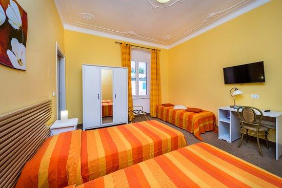 Hotel Boccascena, Hotels in Genua
