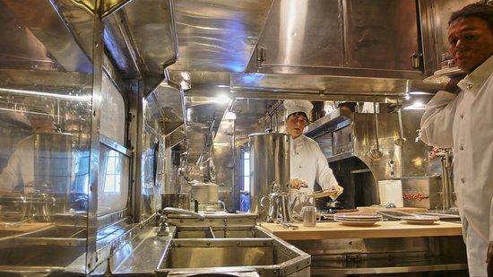 cuisine de la voiture restaurant - picture of california state