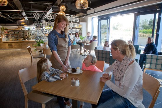 Mere, UK: Our locally sourced restaurant and artisan coffee bar offers the finest dining options.