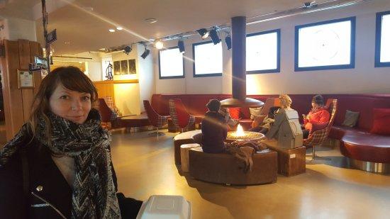 Icelandair Hotel Reykjavik Marina: 20170430_202940_large.jpg