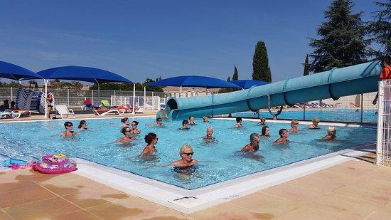 Aquagym picture of piscine d 39 ete aquaforme mejannes for Piscine pailleron aquagym