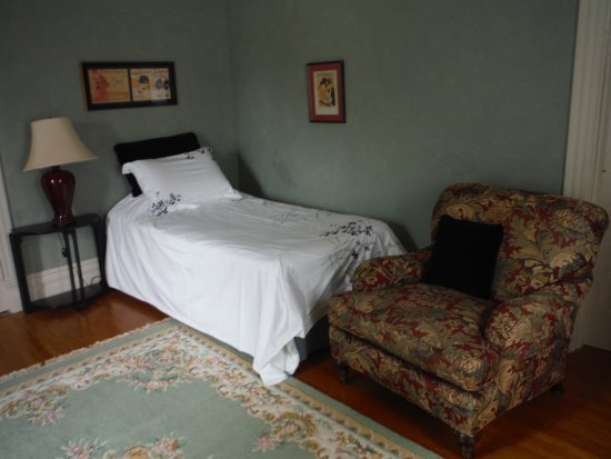 Ridgetown, Canada: Art Deco Room with 2 twin beds