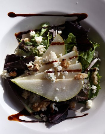 Horndean, UK: pear and stilton salad starter