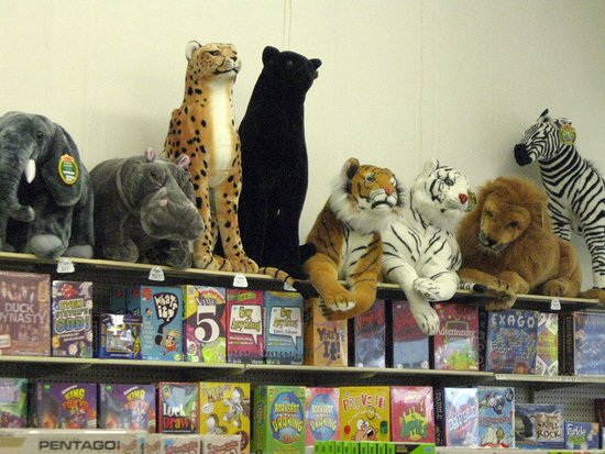 Veach's Toy Station: Veach's cats