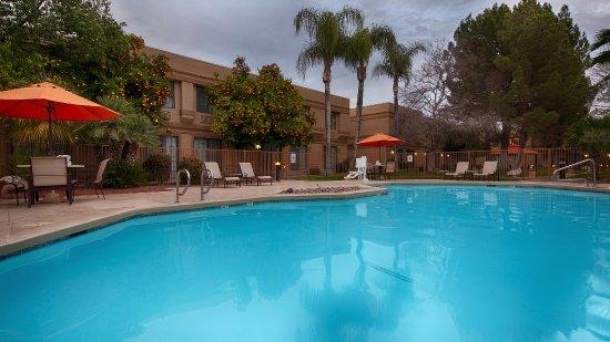 Best Western Plus Tucson Int'l Airport Hotel & Suites : Pool