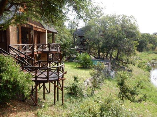 Lukimbi Safari Lodge: View from dining area