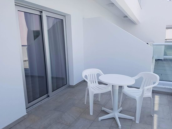 Evabelle Napa Hotel Apartments: Balcony