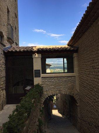 Crillon-le-Brave, France : photo3.jpg