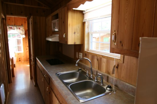 Monticello, IN: IB Crow Cabins 13/14 inside full kitchen