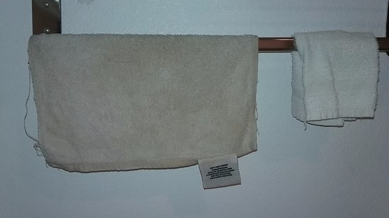 Americas Best Value Inn - Edmond / Oklahoma City North: Frayed stained wash cloth