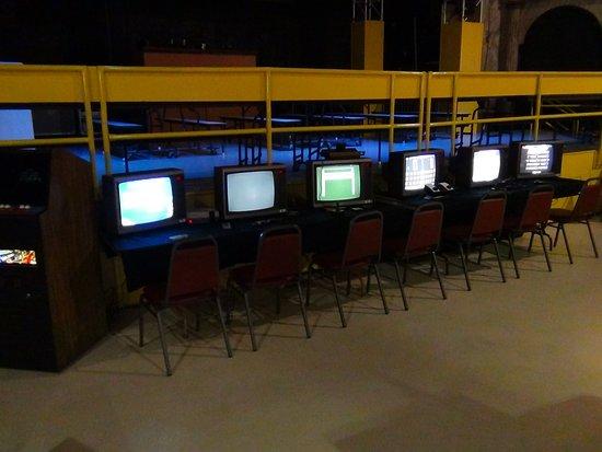 Daytona Arcade Museum Nintendo Sega Atari Pong Etc Home Consoles